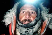 """""""Las condiciones son pésimas, hace mucho frío y viento"""", alega el alpinista"""