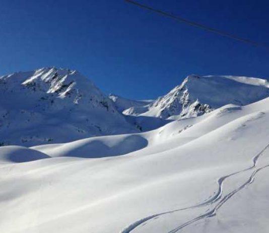 Las estación del Pirineo francés procura grandes cantidades de nieve hasta bien entrada la primavera