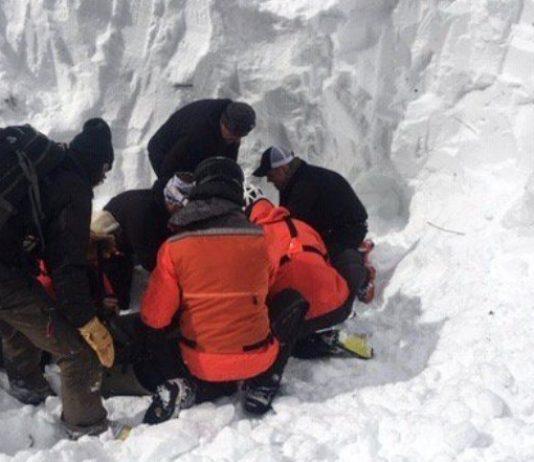 García-Atance fue atrapado junto a un compañero de una avalancha que cortaron unos aficionados que estaban en la cima de la montaña