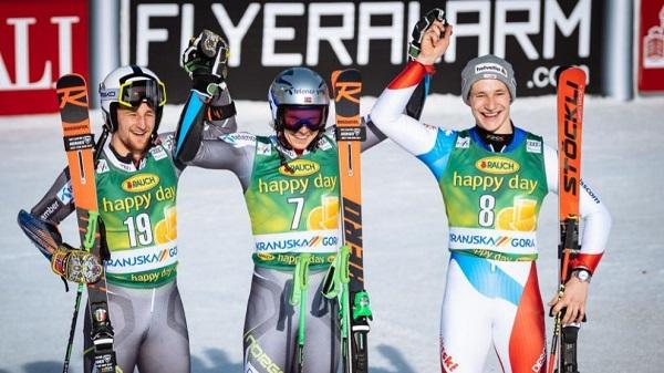 Windingstad y Odermatt, felices en su primer podio de la Copa del Mundo. FOTO: Marca/AFP