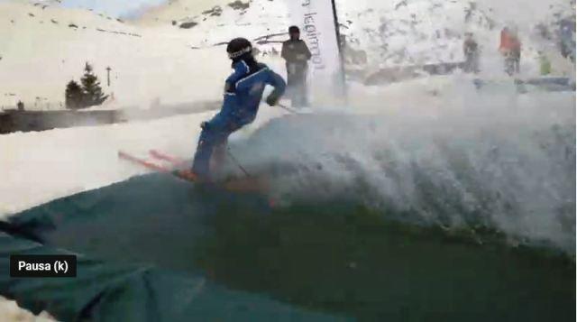 Formigal-Panticosa construye una piscina en su ya tradicional Water Slide, una prueba divertida de su Bye Bye Winter