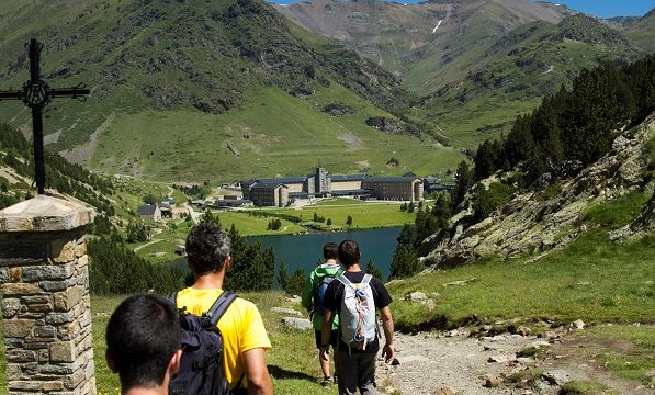 Conocer el Pirineo durante el verano, una oferta tentadora que proponen las estaciones del Grup Ferrocarrils de Catalunya FOTO: FGC