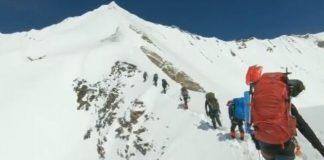 El equipo de camino a la cima del Nanda Devi antes de ser atrapado por una avalancha