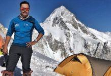 El alpinista nepalí, en el campo base del K2